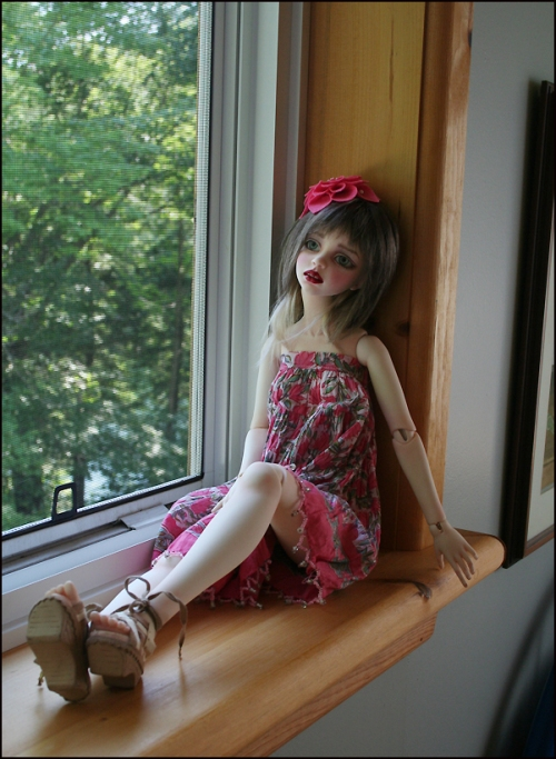 Cassie_WindowSill2