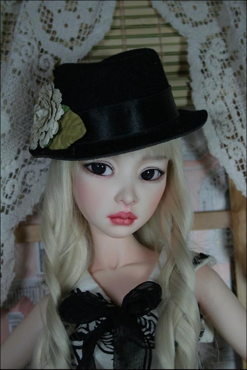 Mel_Hat